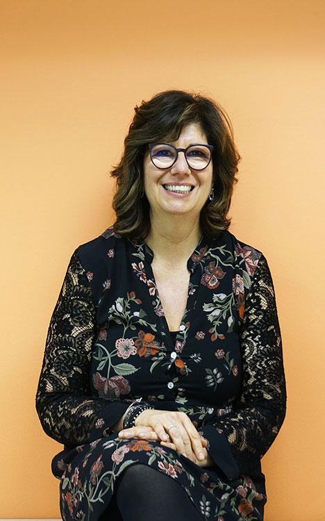 Elena, procuratrice d'agenzia di Caliandro Assicurazioni